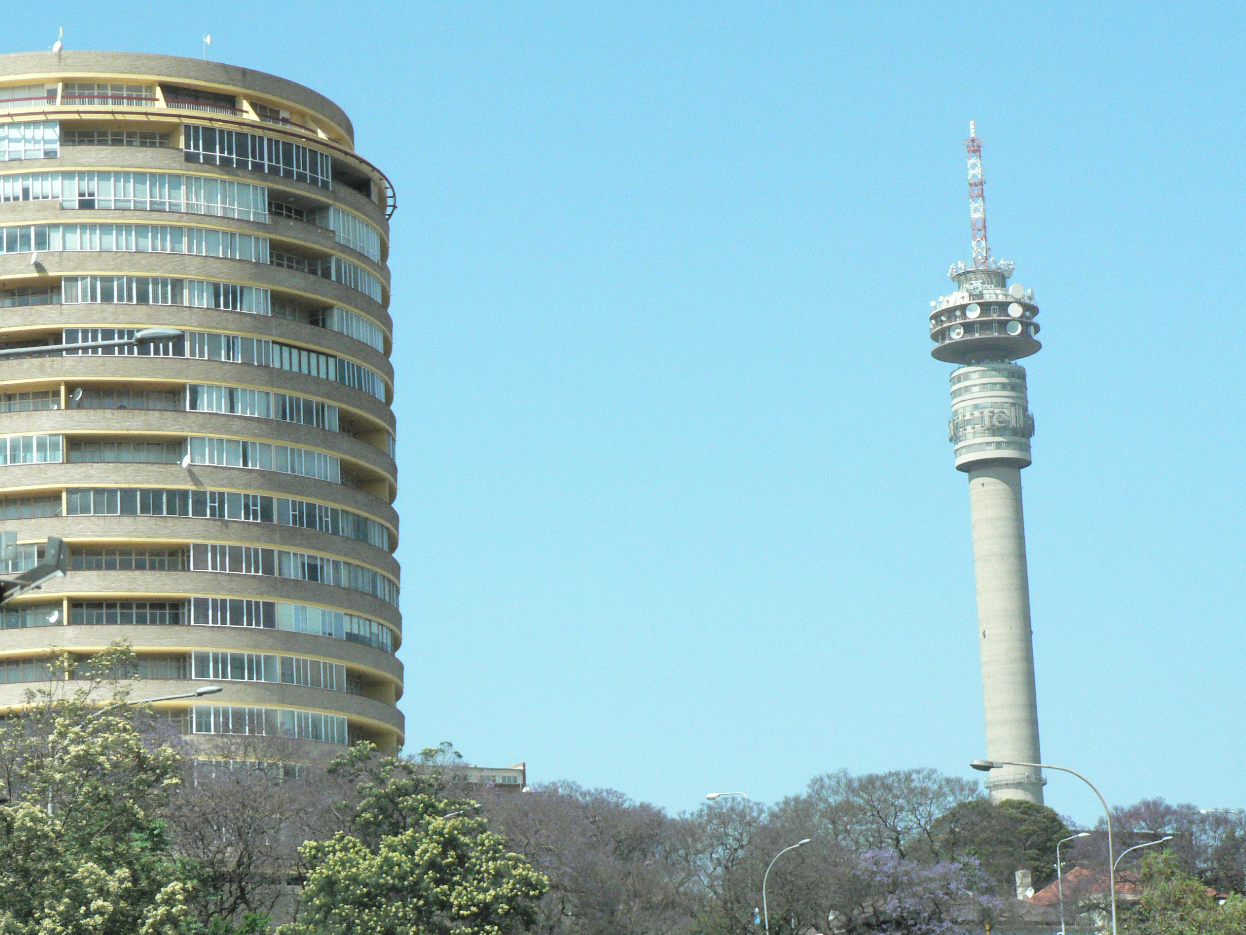 Telecom-tower-Johannesburg-South-Africa-enabling-LTE-backhaul