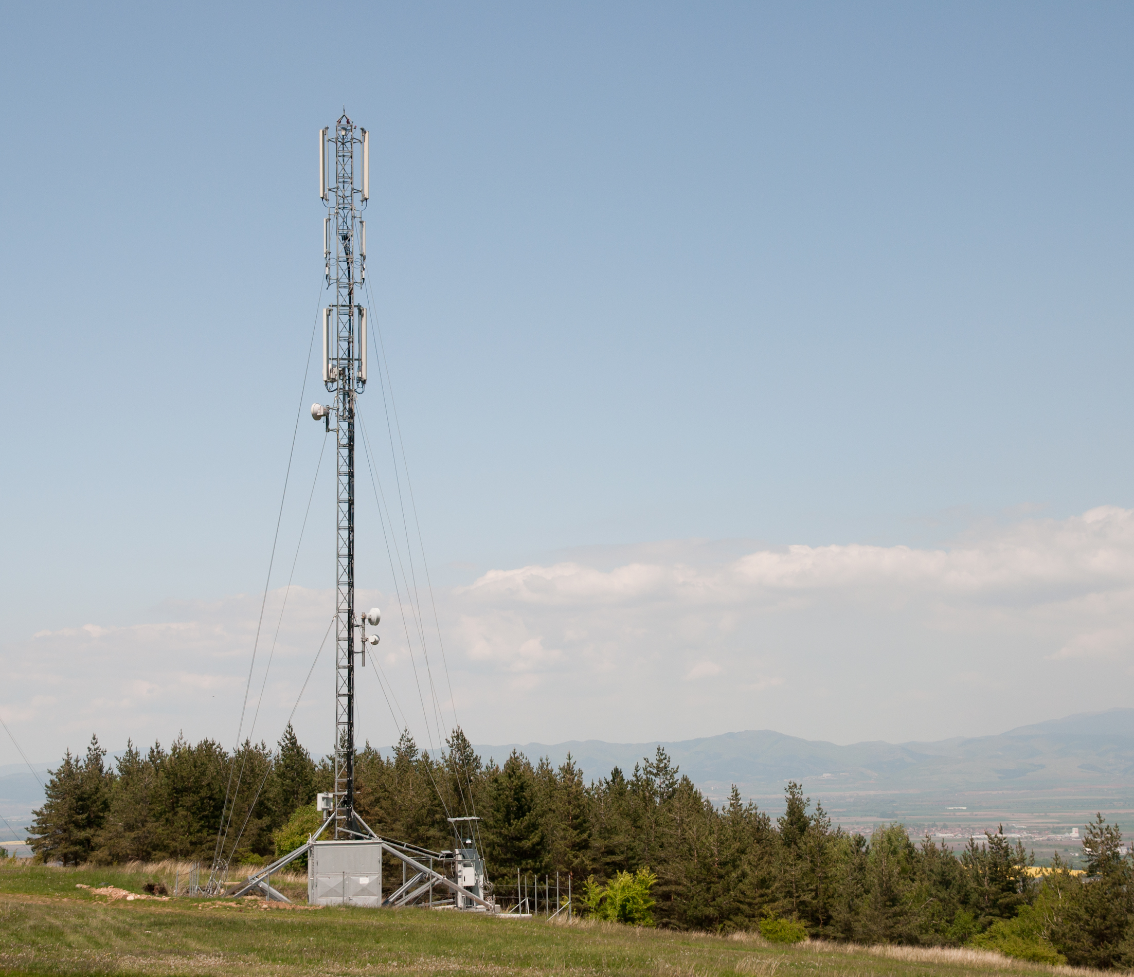 Cell-phone-tower-near-Lozen-Bulgaria-Aviat-Networks-network-solutions-architect-Hadi-Choueiry-recounts-3-TDM-to-IP-lessons-learned-18Oct13